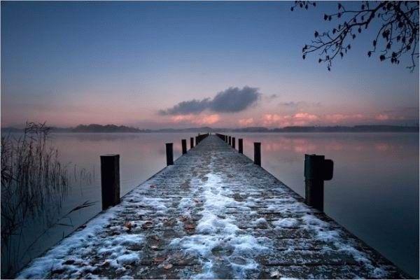 imagenes-internet-curiosas-amanecer-muelle-nevado