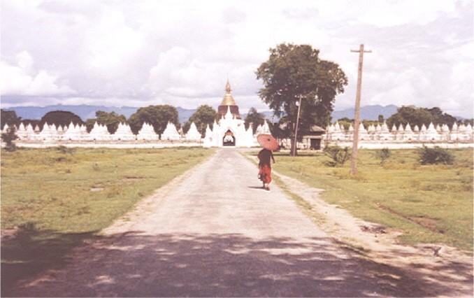 kuthodaw-mandalay-pagoda-budista-buda
