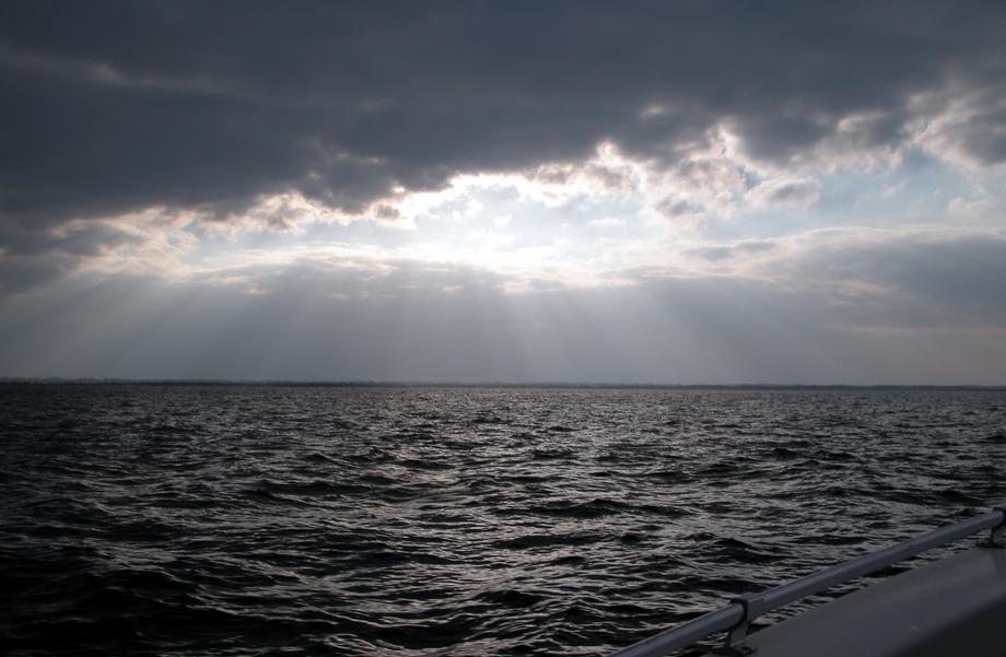 lluvia-bahamas-rayos-sol-nubes-abaco-cloudy