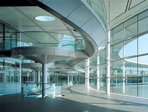 norman-foster-paragon-mclaren-technology-centre-londres