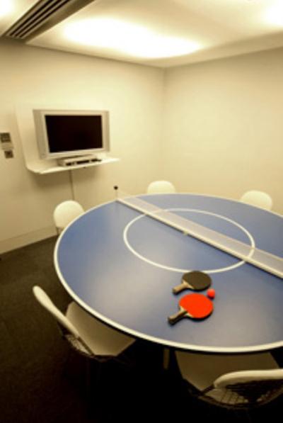 red-bull-oficinas-tennis