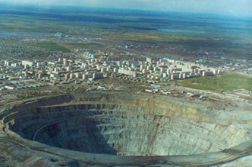agujero-mirna-mirni mina rusia mas grande mundo