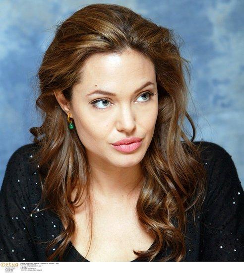 angelina-jolie-guapa-alejandro-Alexander-2004