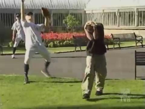 broma pelotas humor beisbol cielo caen