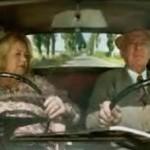 broma pensionista coche volante