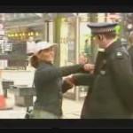 El policía vacilón