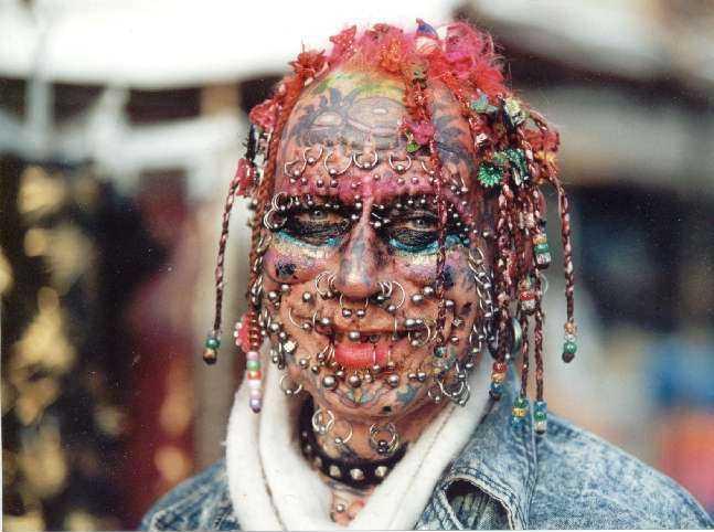 crazy-piercing-cara-llena