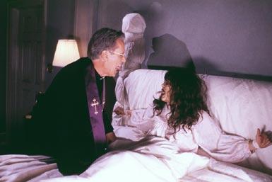 el-exorcista-bed-cama