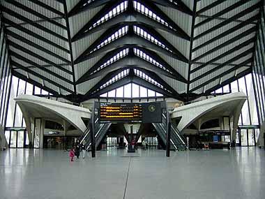 estacion trenes francia lyon aeropuerto satolas