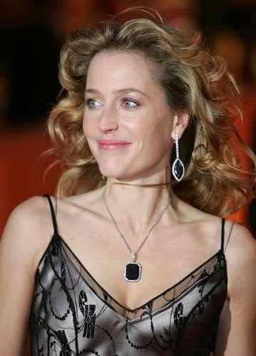 gillian-anderson despues after