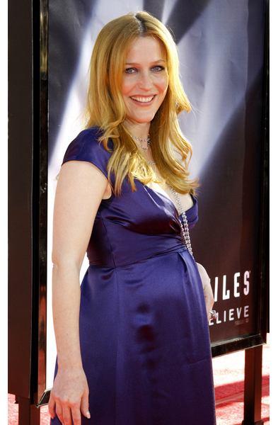 gillian-anderson prenada pregnant