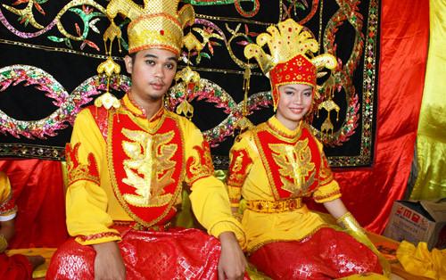 Suluk Tidong borneo boda