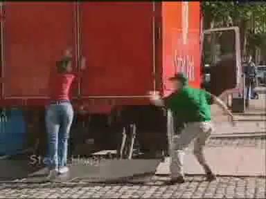broma leon encerrado camion