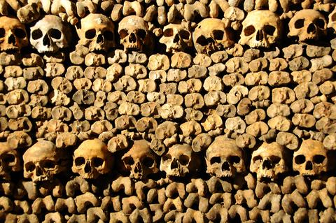 catacombes paris catacumbas foto