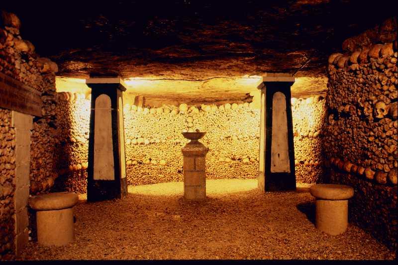 catacombes paris catacumbas imagen