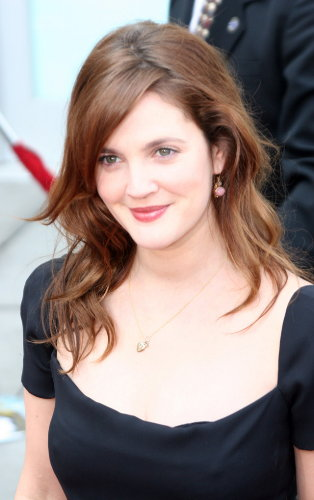 drew-barrymore-before-after-antes-despues-joven-young-fiesta.jpg