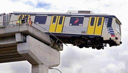 imagenes internet tren puente roto