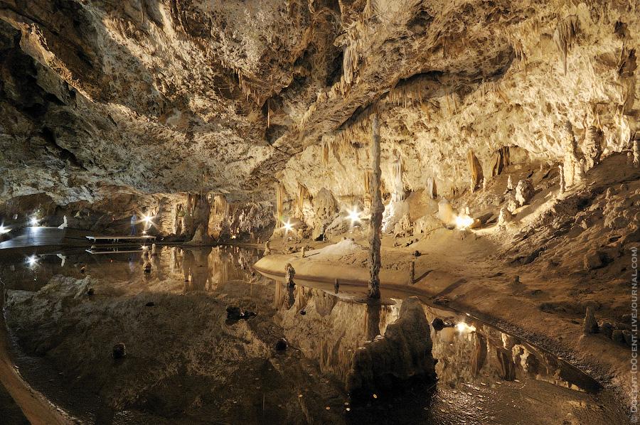 lago subterraneo karst moravia abismo makocha