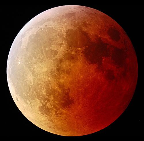 luna-roja-red-moon-rojiza