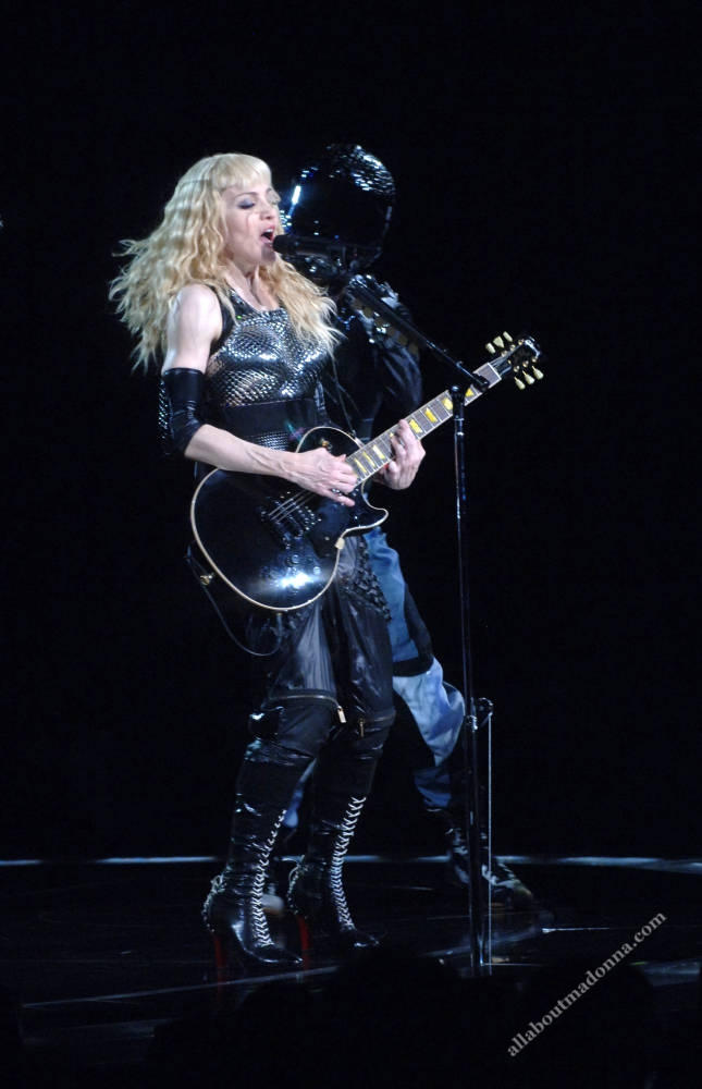 madonna sticky sweet tour ray of light