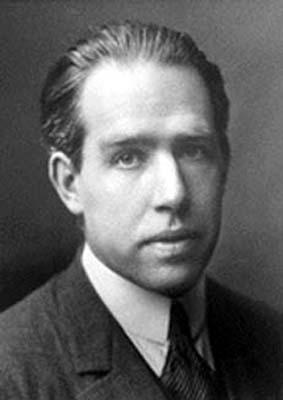 niels-bohr-fisico-danes
