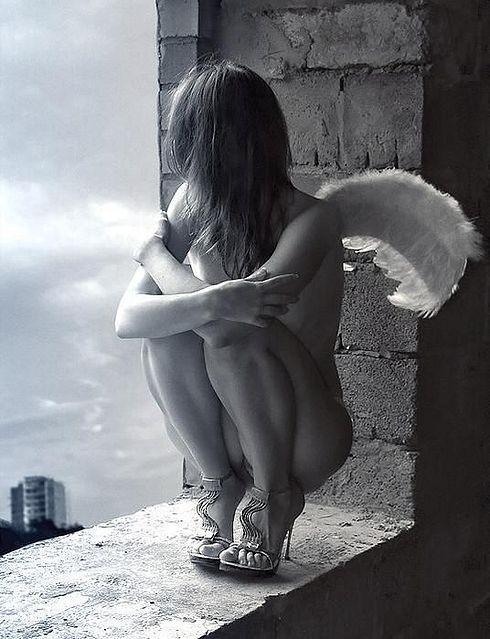 pin-up-femenino-gotico-mistico-angel