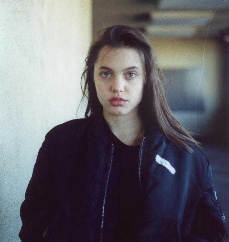 young_angelina_jolie_joven-nina-adolescente