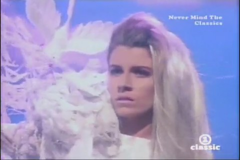 bananarama-venus-video-05