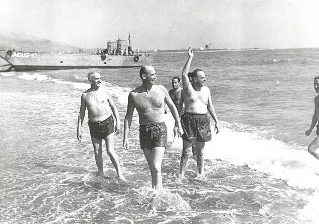 fraga palomares playa bano almeria bomba nuclear