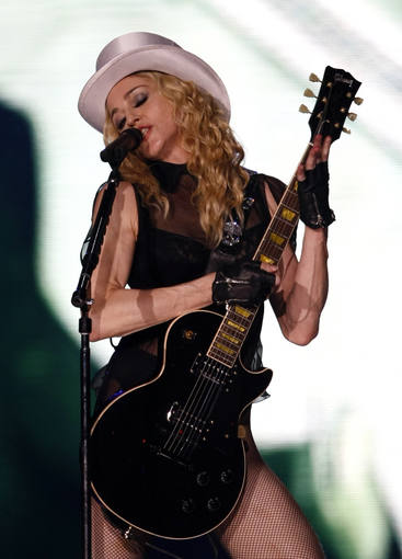 Sticky and Sweet tour Sevilla