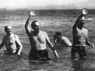manuel-fraga-bano-playa-radioactividad