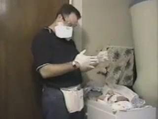 video padres cambiando panales bebes
