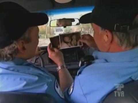 broma policias gays