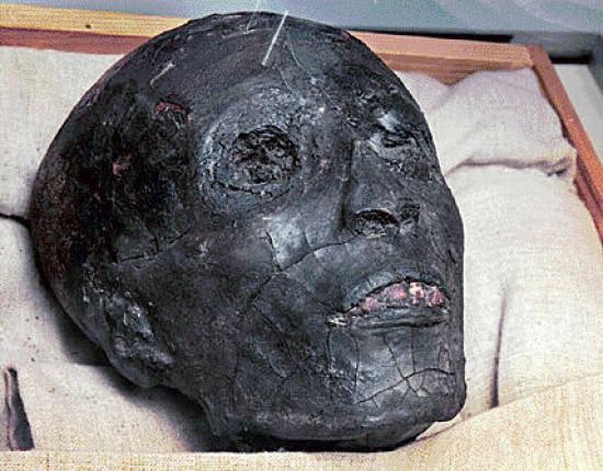 cabeza-tamano-crece-crecer-crecimiento-edad-tutankamon