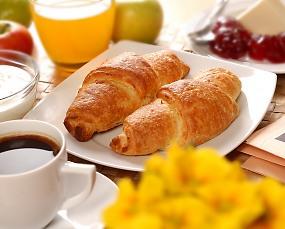 croissant desayuno cruasan