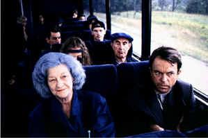 en-la-boca-del-miedo-autobus