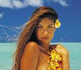 flor-polinesia-pelo-chica-isla