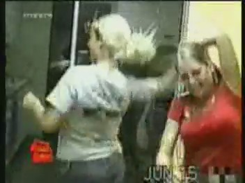 gente metiendose ostias golpes