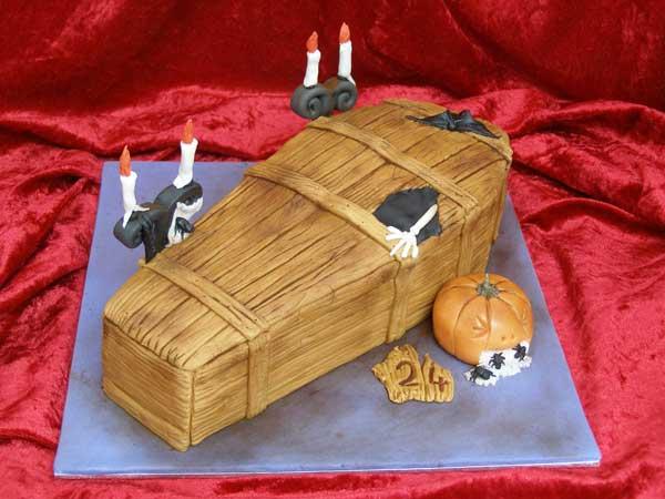 halloween humor tarta ataud-cake