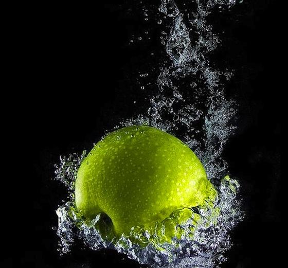 imagenes-alta-velocidad-fotografias-manzana-agua