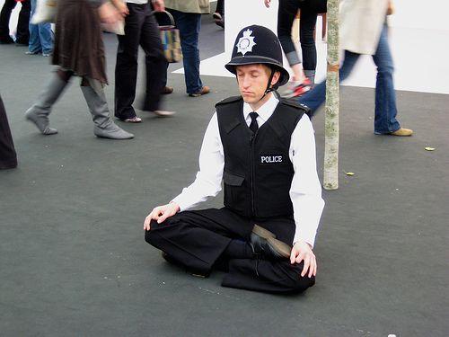 trabajo-imagenes-risa-policia
