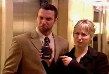broma risa pedos ascensor