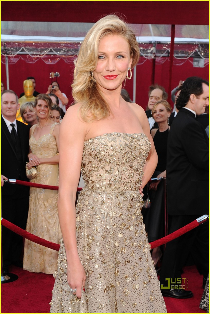 cameron-diaz-2010-oscars-red-carpet