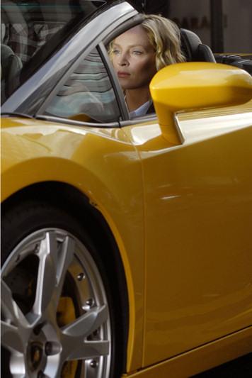 pirelli-film-mission-zero-uma-thurman-pzero-coche