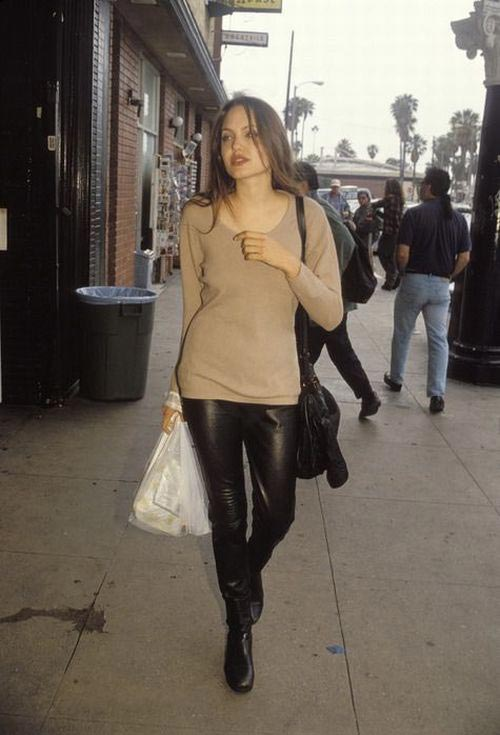 angelina jolie joven 19 anos young years
