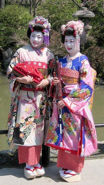geisha_maiko_kyoto_trajes