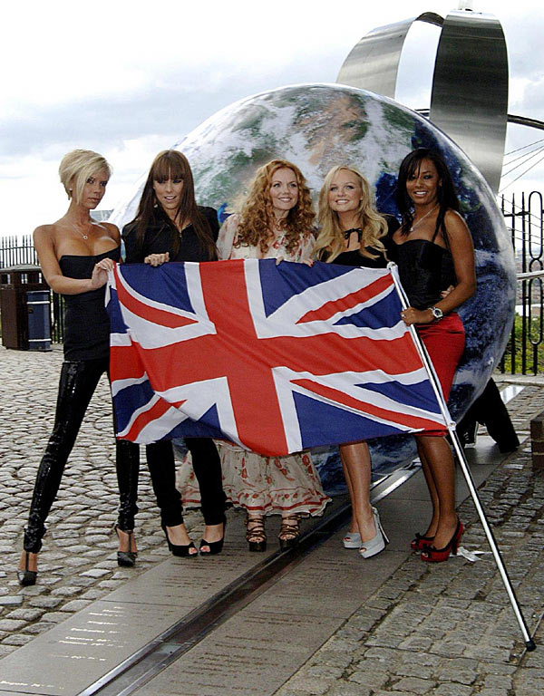 spice-girls-headlines-greatest-hits-flag-bandera