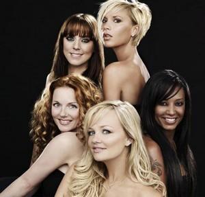 spice-girls-headlines-greatest-hits-posing-posando-comeback-vuelta