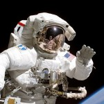 astronauta traje espacial salida