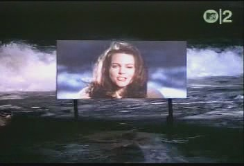 belinda-carlisle-circle-in-the-sand-video-01